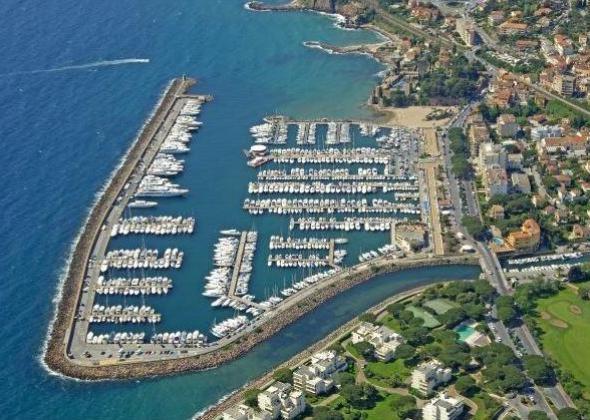 Place de port Mandelieu La Napoule 8.60m x 2.94